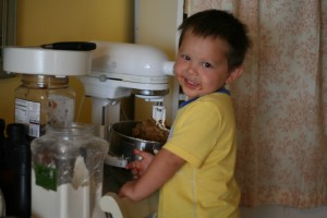 2 &amp; 1/2 Year Old Cam Longshore Mixes Cookie Dough